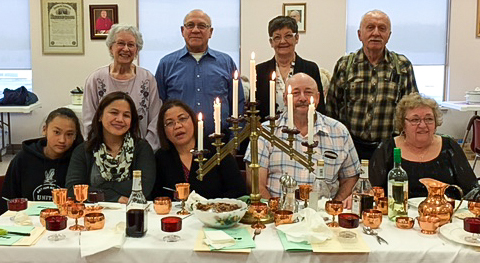 Christians celebrate Passover with Seder banquet
