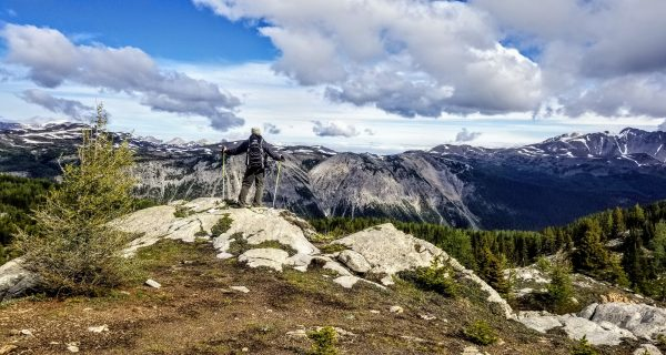 Hut-to-hut hike rewards adventurers with epic views